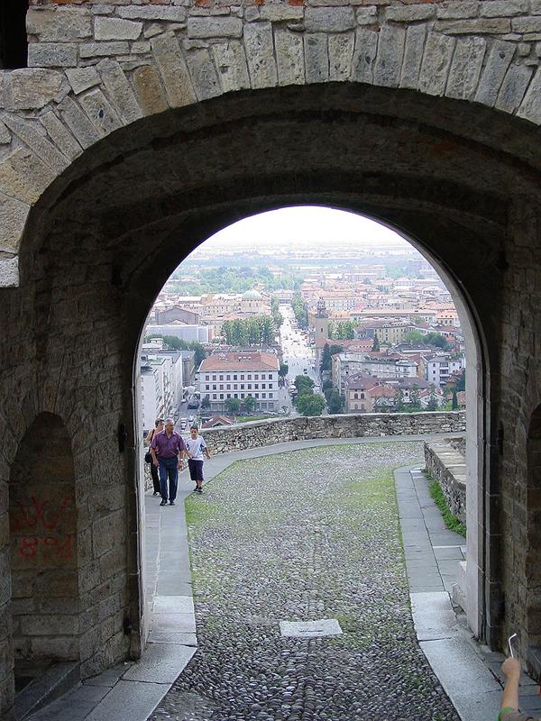 Da bergamo a palazzolo sull 39 oglio in cammino per francesco - Porta san giacomo assisi ...